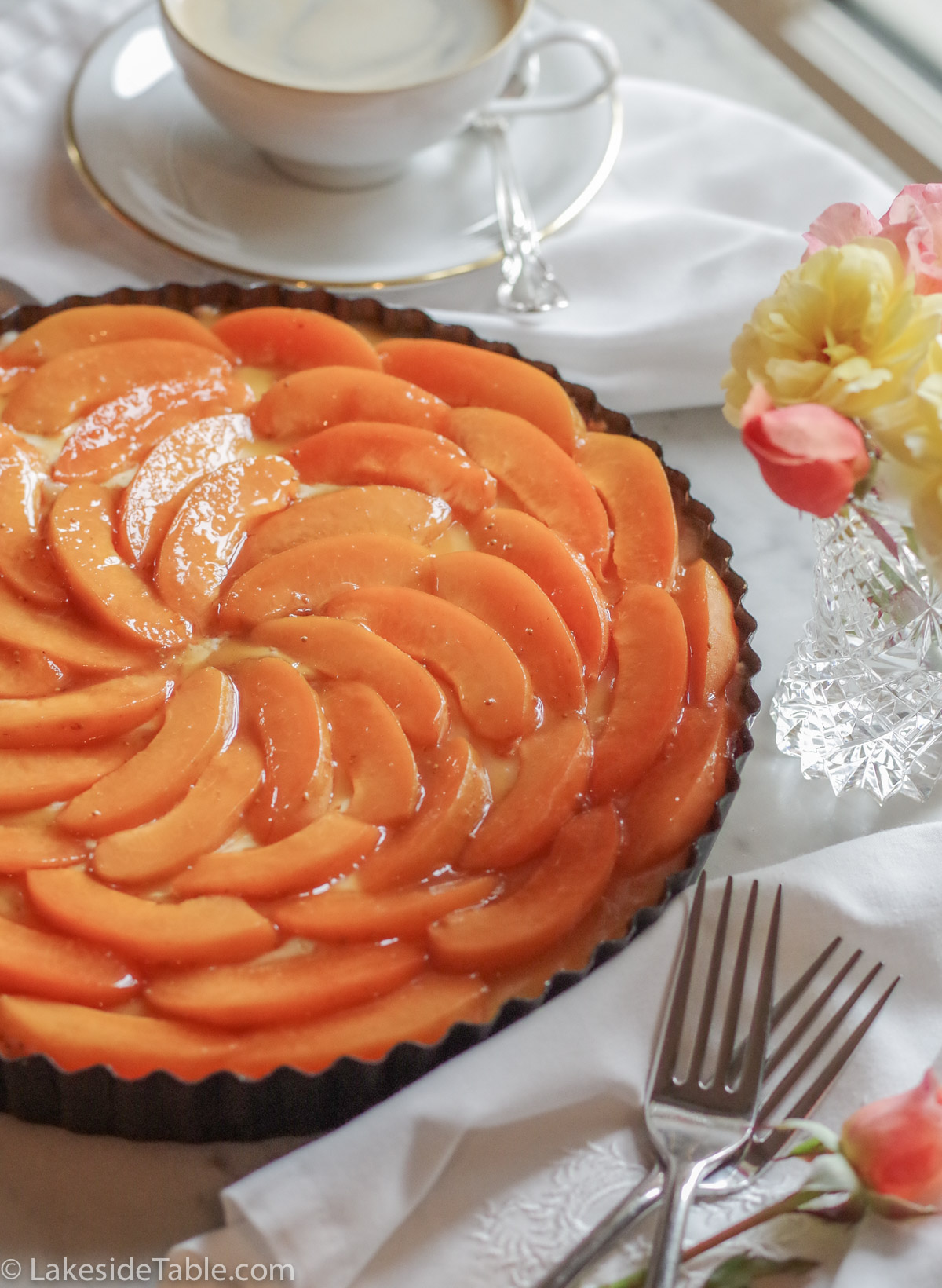 Gluten free and low carb apricot tart is light and blissful! Treat yourself with no worries!