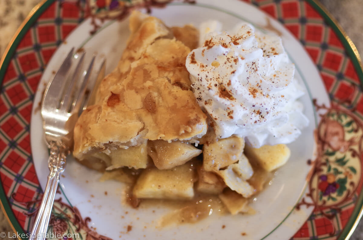 Make your own Mile High Apple Pie with this easy go to recipe! ❤️ | www.lakesidetable.com